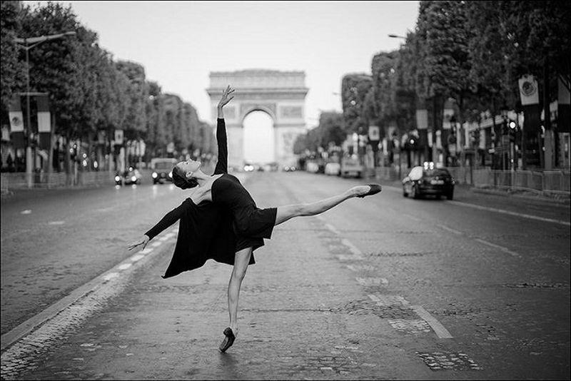 Балерины на улицах города — самый известный проект в интернете о балете с сотнями тысяч поклонников! (32 фото)