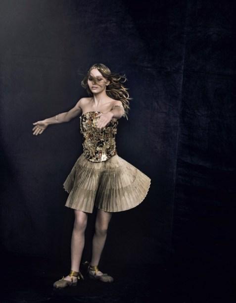Лили-Роуз Депп в фотосессии Питера Линдберга