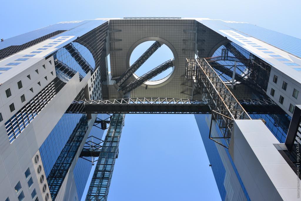 Вавилонская башня японской Осаки. До небес не дотянули, но все же...