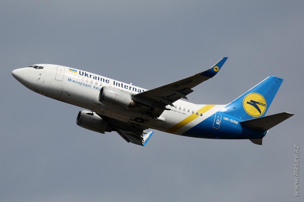 B-737_UR-GAW_Ukraine_International_Airlines_1_ODS_ .JPG