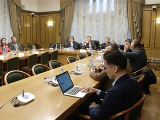 Круглый стол Борьба с героизацией фашизма и возрождением неонацизма- законодательные аспекты