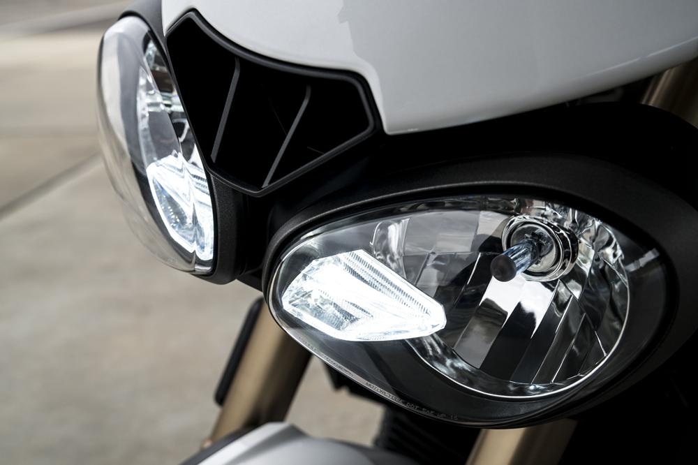 Новые мотоциклы  Triumph Speed Triple S / RS 2018