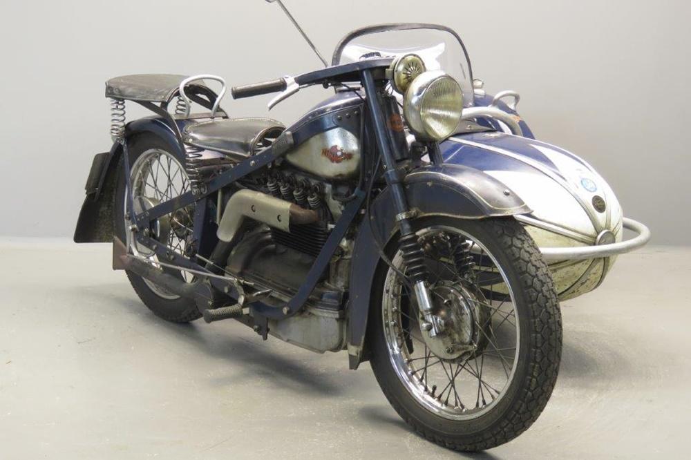 Старинный мотоцикл Nimbus 1937 с коляской