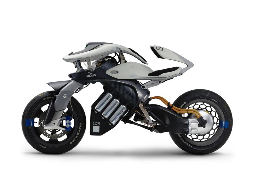 Концепт мотоцикла  Yamaha MOTOROiD с искуственным интеллектом