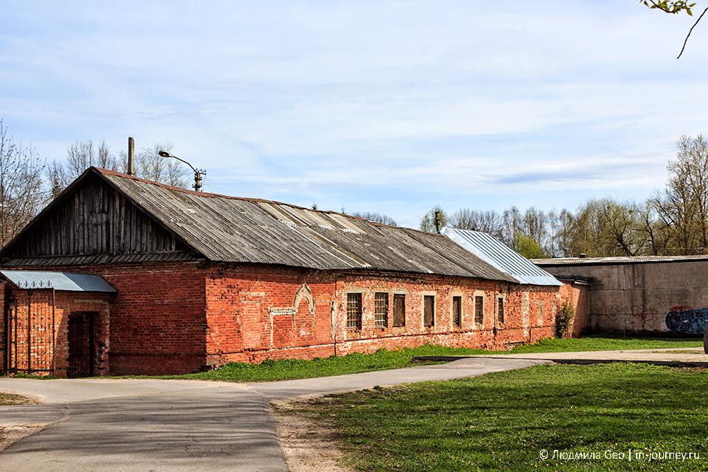 фото здания в новгороде