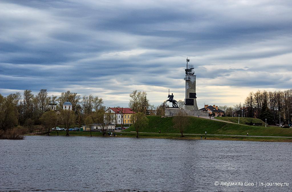 Монумент Победы Великий Новгород