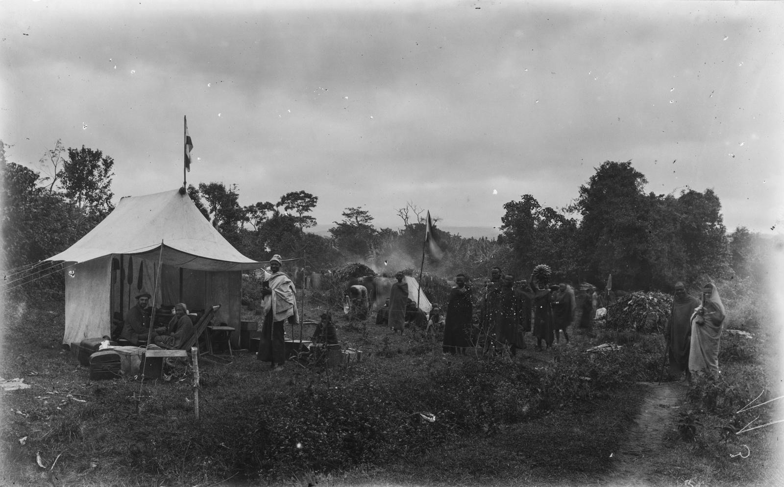 368. Лагерь участников экспедиции в западной части Кибо
