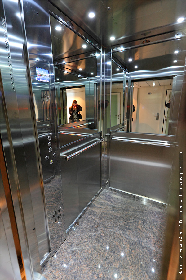лифт. теплоход «Александр Грин»