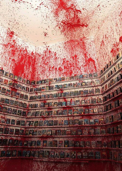Дизайн магазина фильмов ужаса