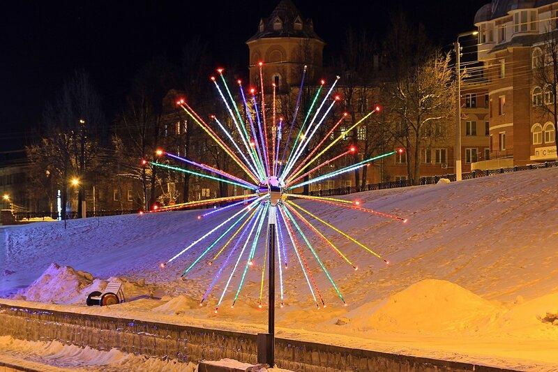 Световой шар в сквере им. 60-летия СССР в бывшем овраге Засора