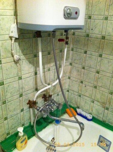 Повесили водонагреватель РЕгент, промываем водичкой