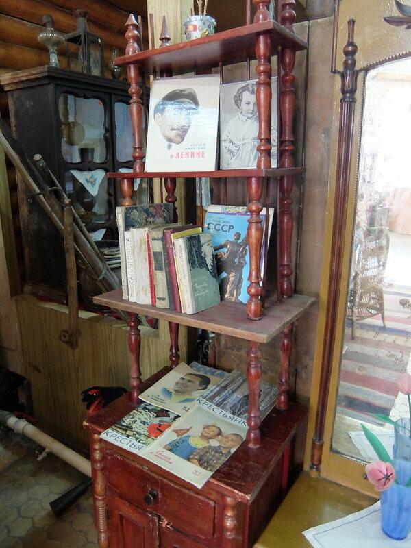 Гурьевский музей - Книжный шкаф