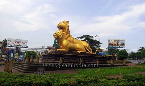 Сиануквиль, золотые львы, монумент Львы