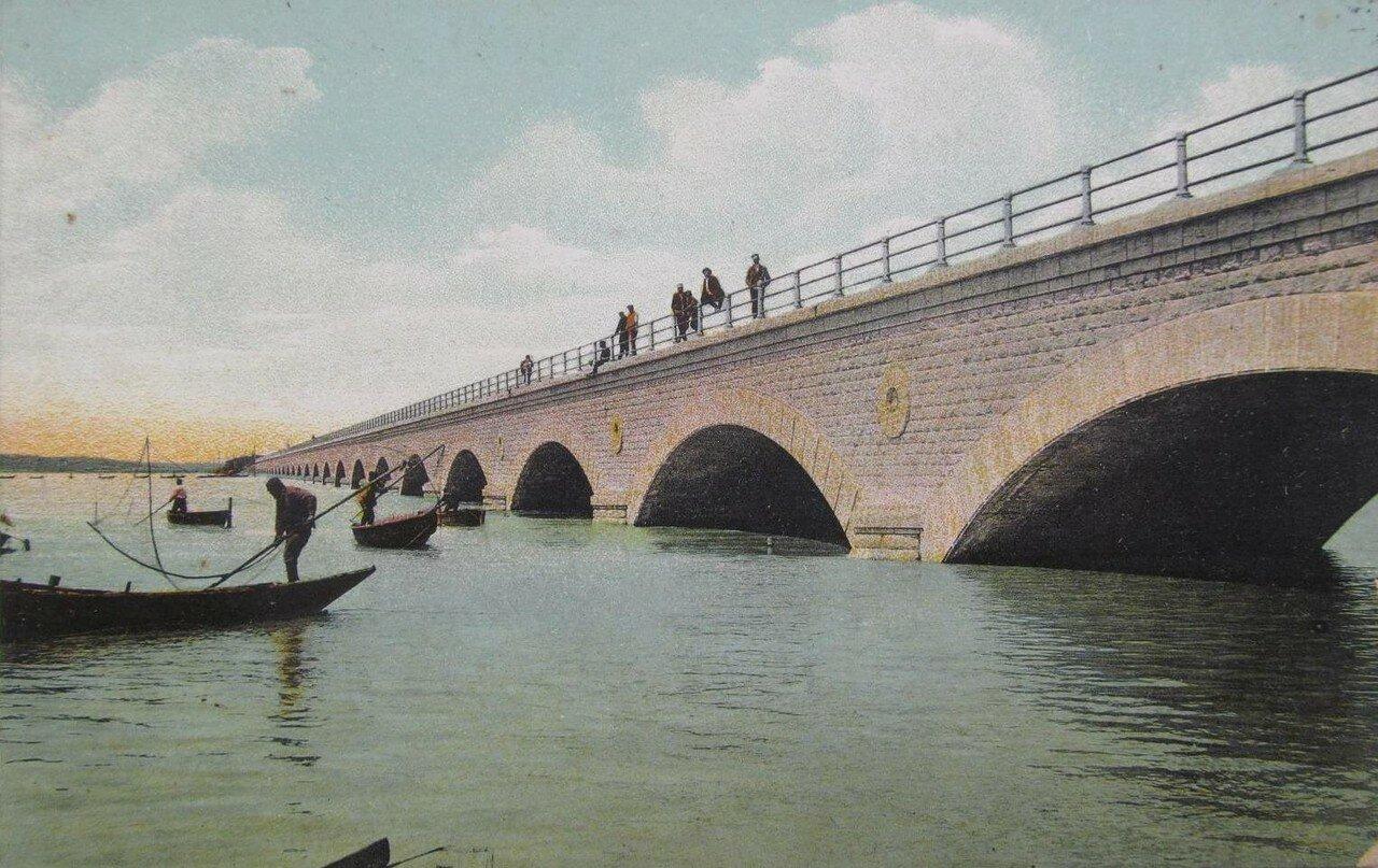 Мост Владикавказской железной дороги. Рыбаки