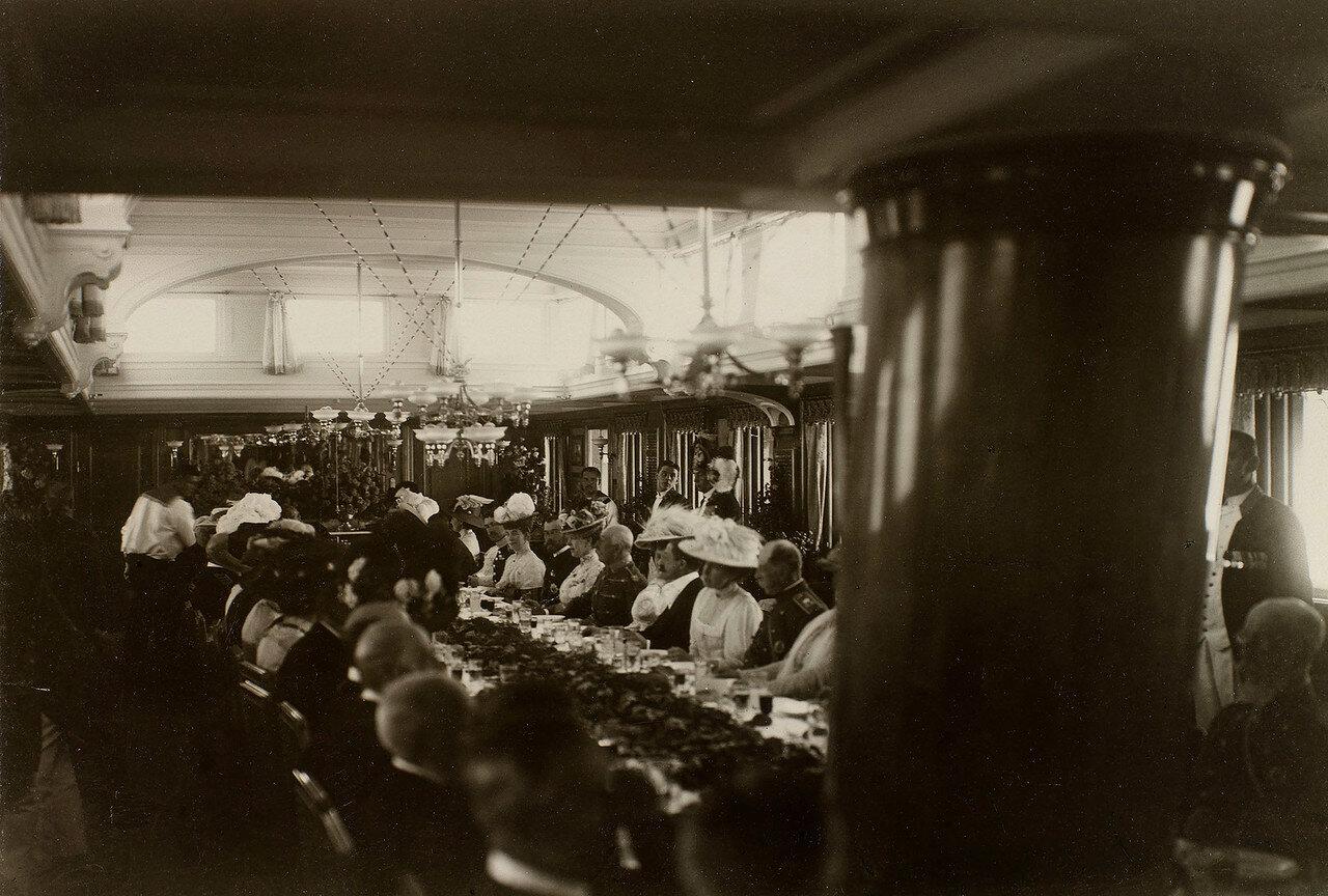 Ужин на борту Императорской яхты «Штандарт»