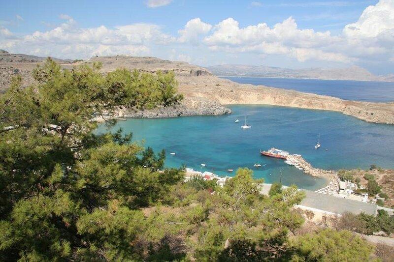 Побережье Средиземного моря в городе Линд