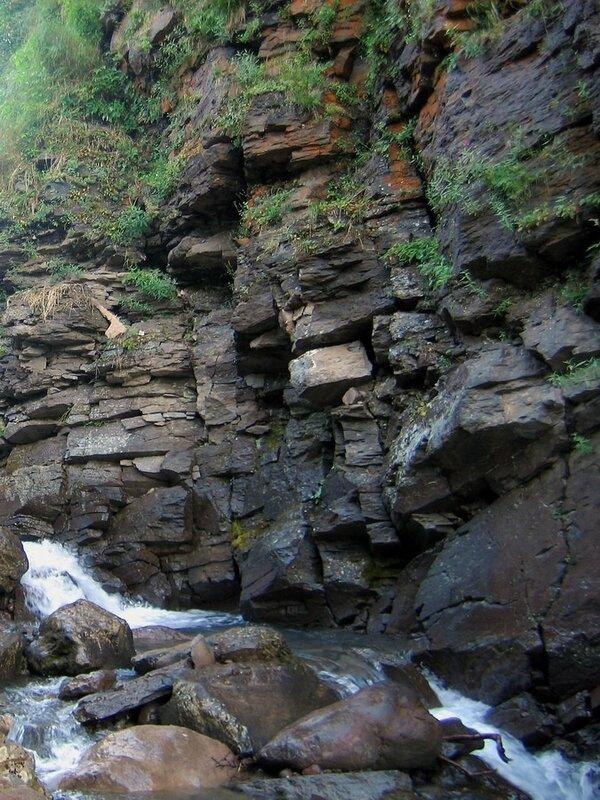Ручей на Дзензуре, вулкан Дзензур, Камчатка
