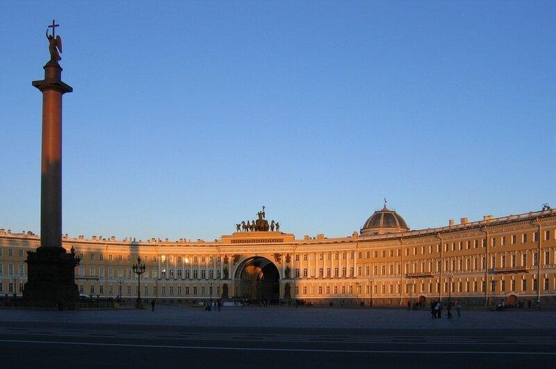 Вечер на Дворцовой площади