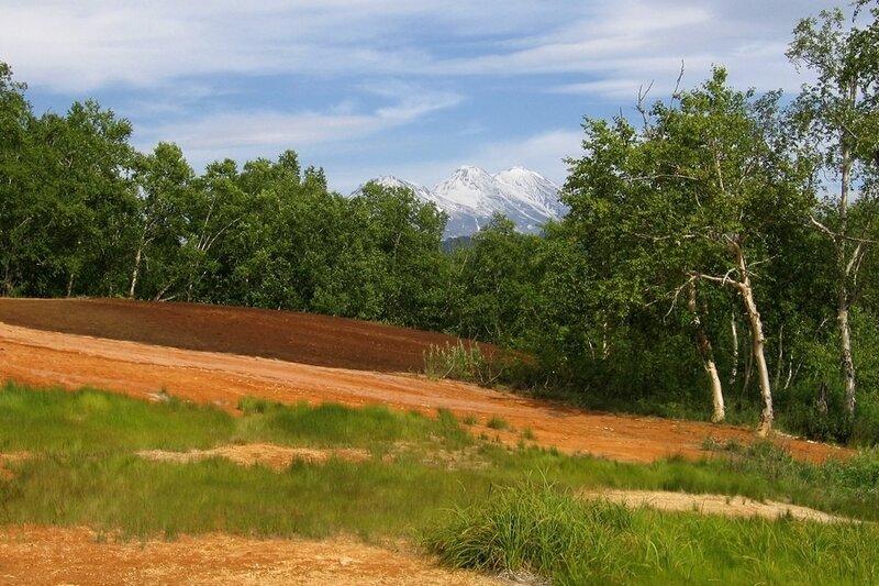 Травертины по дороге к Таловским источникам, Камчатка