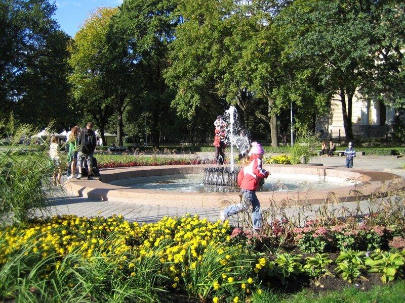 04__20070916-162603_fountains.jpg
