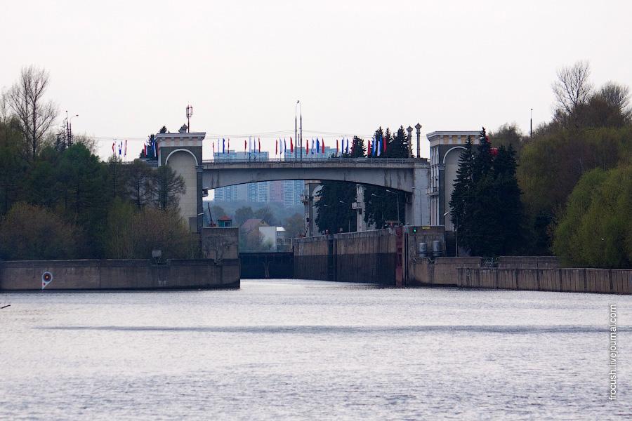 Шлюз №9 канала им.Москвы, Карамышевский мост