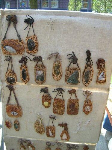 Набережная - Украшения из камней, оправлленных в бересту