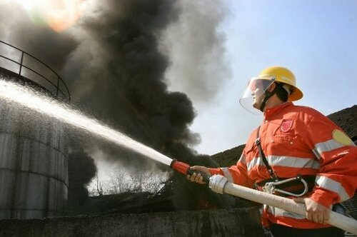 Ялтинские пожарные эвакуировали 50 человек изздания больницы