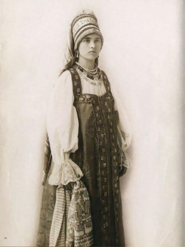 0 17a7e2 8add7648 XL - Девушки в древних славянских костюмах на старинных фотографиях
