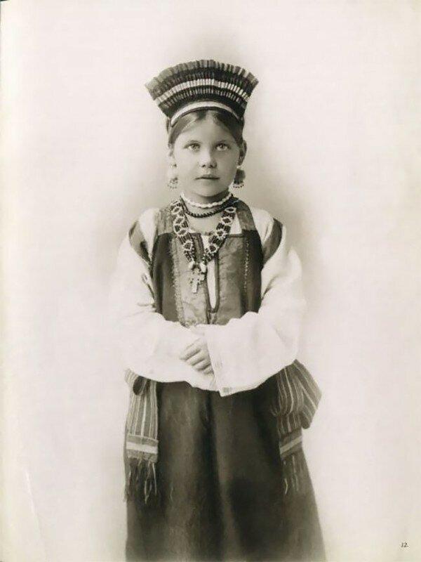 0 17a7e9 81d21244 XL - Девушки в древних славянских костюмах на старинных фотографиях