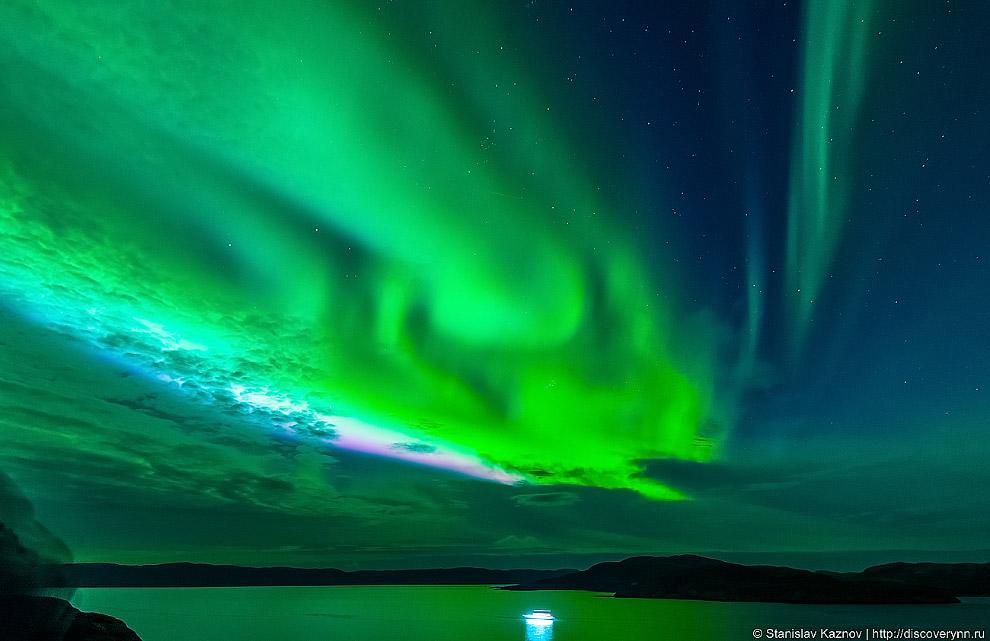 7. Наиболее распространенный цвет северных сияний — зеленый, он создается в результате столкновения