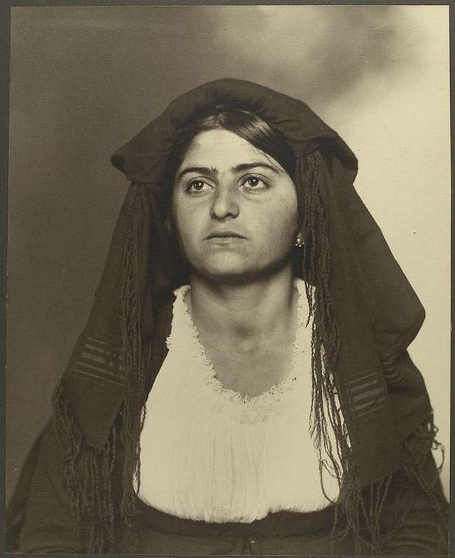 13. Женщина из Италии