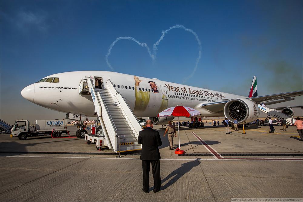 В настоящее время авиакомпания имеет в своем флоте 165 самолетов Boeing 777 и еще 164 ожидает по тве