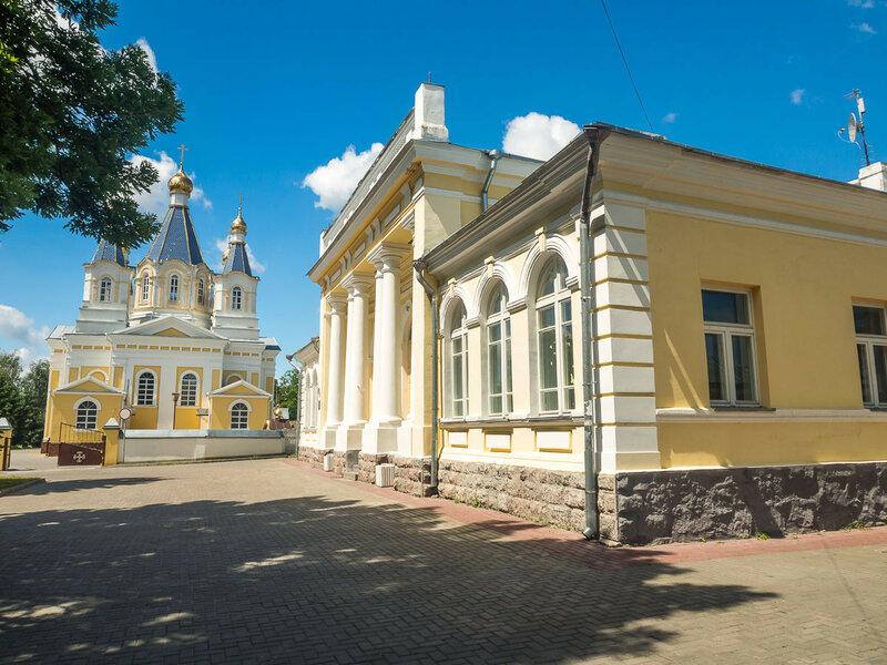 Здание бывшего банка, ныне ЗАГС.