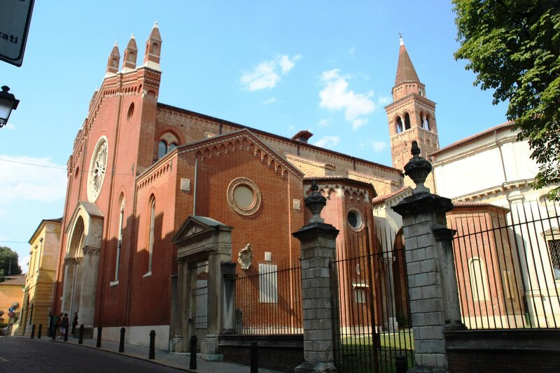 Виченца. Церковь Санта-Корона.