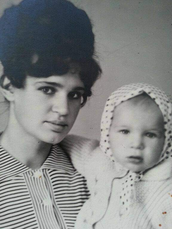 С дочкой... Молодость. 1967 год
