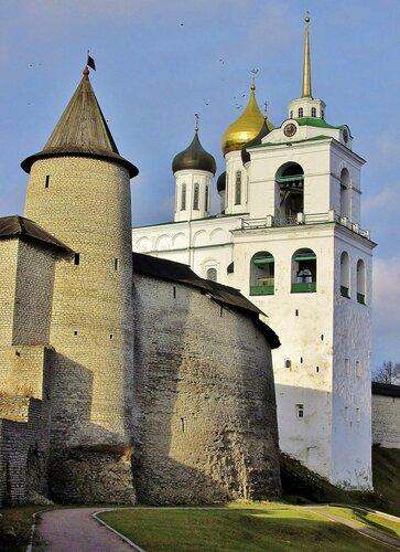 Троицкая башня Псковского Кремля