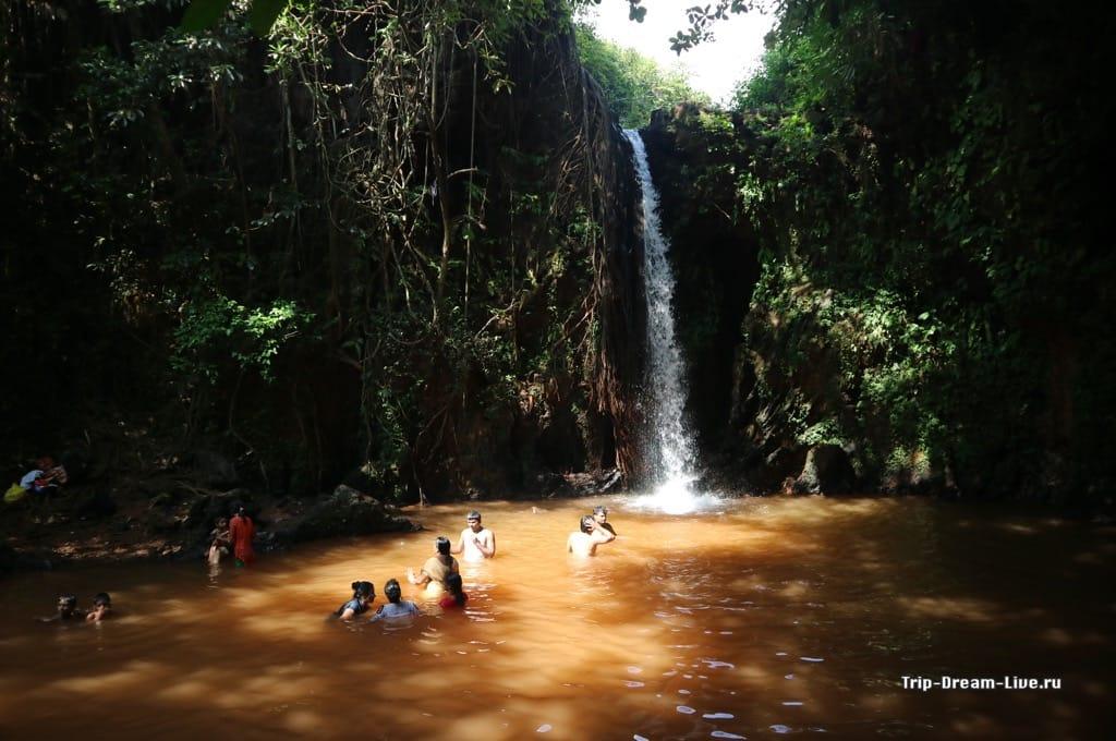 Apsarakonda Falls