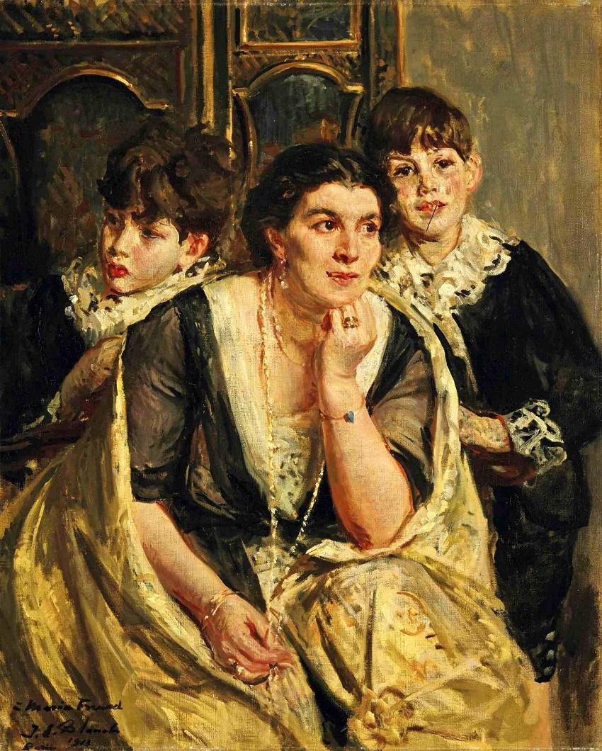 The opera singer Marya Freund and her children , 1913.