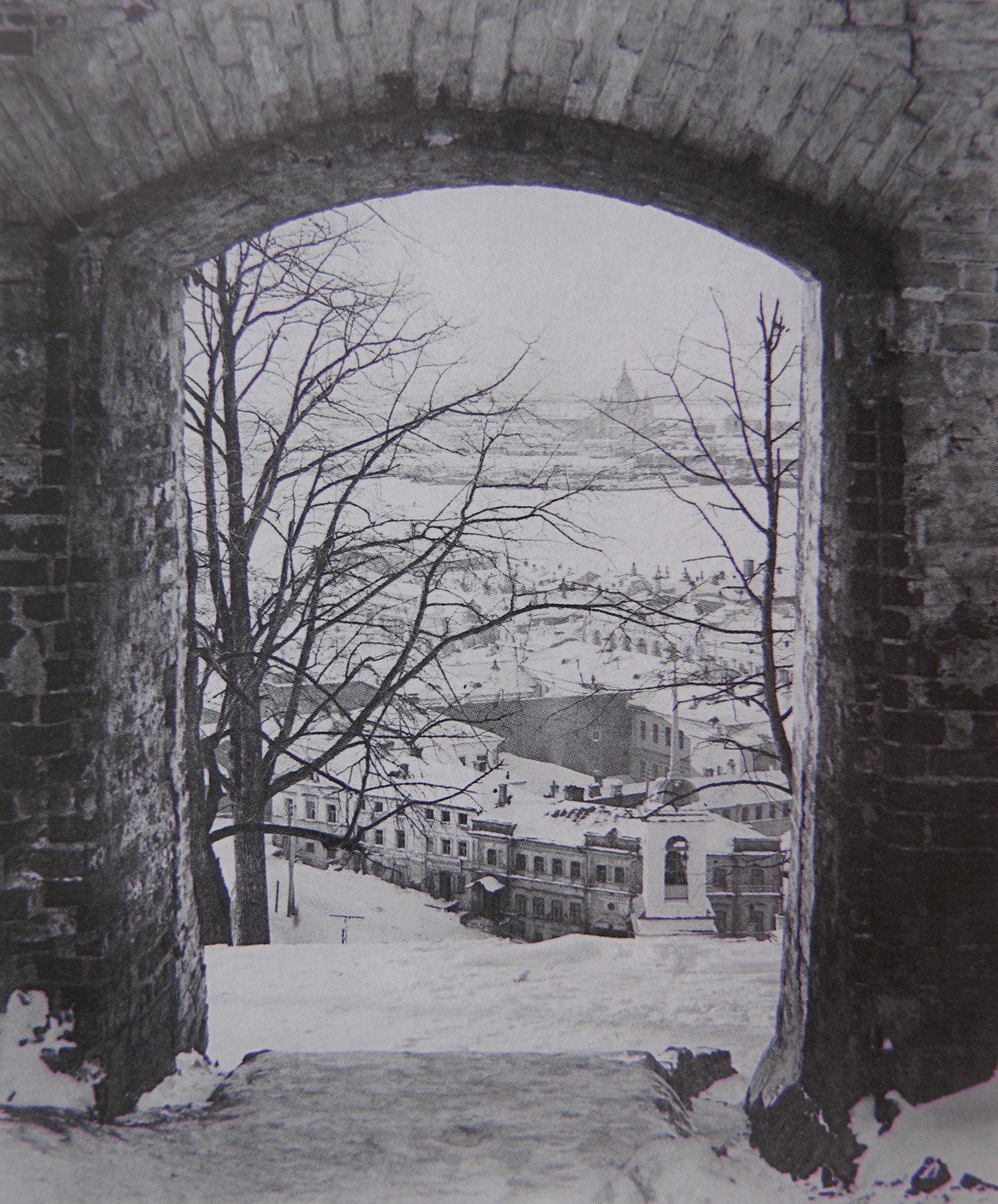Проломные ворота