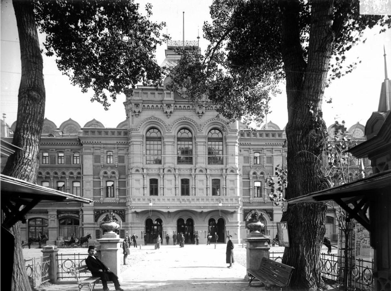 Фасад главного дома нижегородской Ярмарки