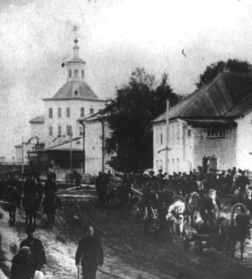 Покровская улица и Покровская церковь