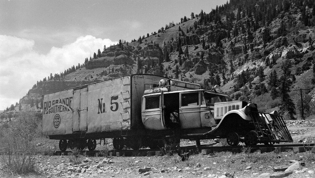 "Rio Grande Southern narrow gauge motor car number 5 ""Galloping Goose"" as train #371 near Bills, Colo., June 11, 1945."