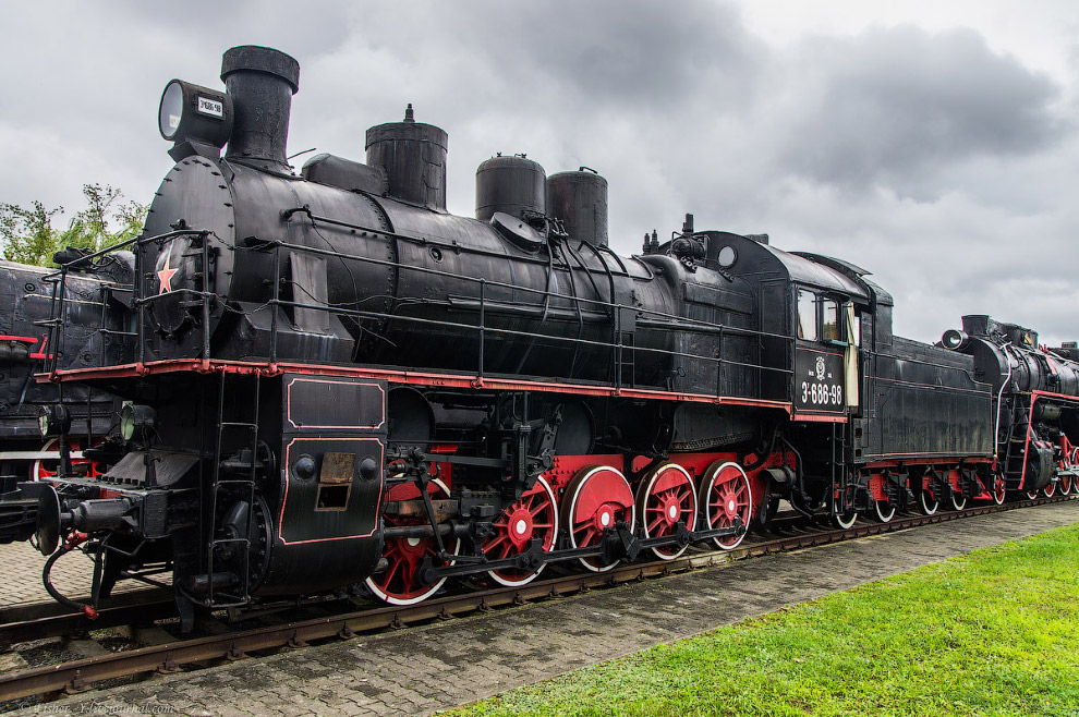 4. Паровоз Типа 0-5-0 серии Э Р №727-24.  Построен в 1933 году на Харьковском паровозостроитель