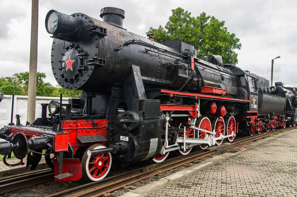 11. И это тоже паровоз Типа 1-5-0 серии ТЭ №8026, только он уже на широкой колее. Построен в 1943 го