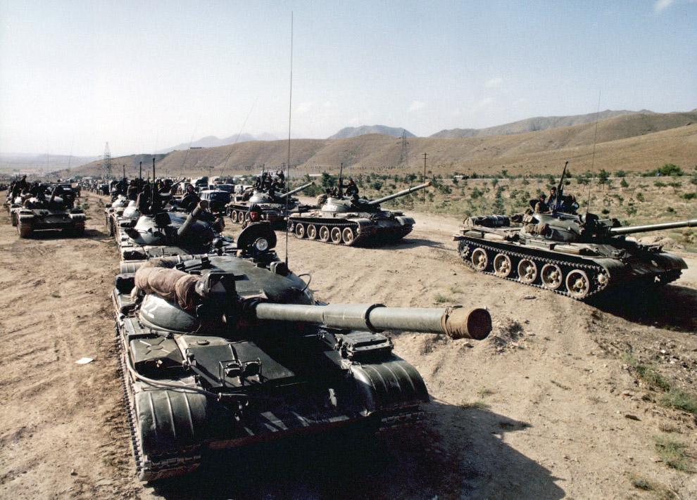 7. Отряд мусульманских повстанцев недалеко от Кабула, 21 февраля 1980. В то время они нападали на ко