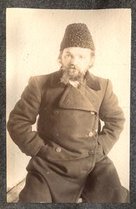 Портрет каторжанина в папахе