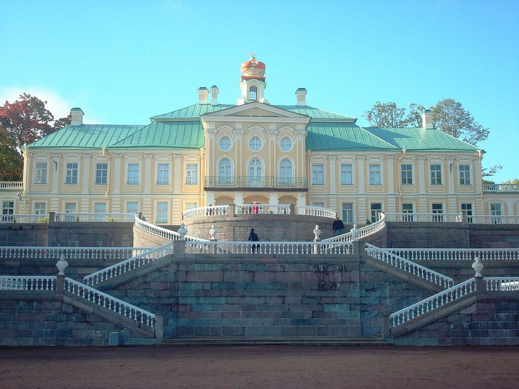 1280px-Grand_Menshikov_Palace.jpg