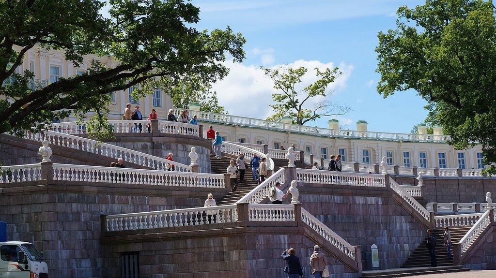 Lomonosov,_Saint_Petersburg,_Russia_-_panoramio_(25).jpg