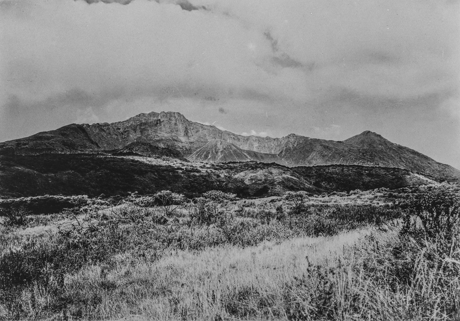 320. Пейзаж с горы Меру