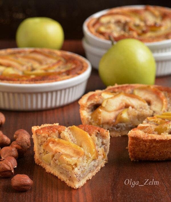 Тарталетки с кремом франжипани и яблоками